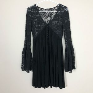 Romeo + Juliet Couture Dress w/ Floral Lace